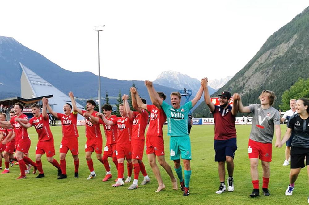 Stigger Simon Befördert Uns Ins Viertelfinale!